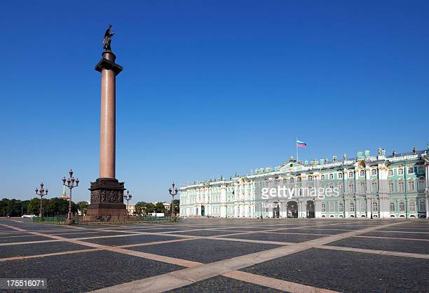 alexander column and palace square, st. petersburg, russia - winter palace st. petersburg stock photos and pictures