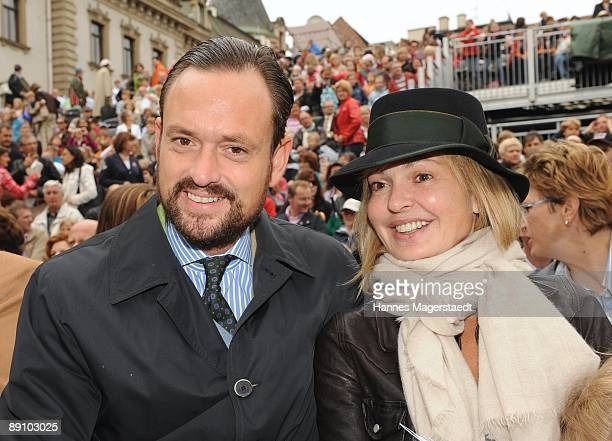 Alexander Count von SchoenburgGlauchau and sister Maja von Schoenburg Glauchau attend the Thurn and Taxis castle festival on July 19 2009 in...