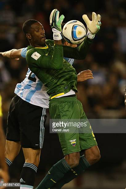 Alexander Dominguez of Ecuador catches the ball during a match between Argentina and Ecuador as part of FIFA 2018 World Cup Qualifier at Monumental...