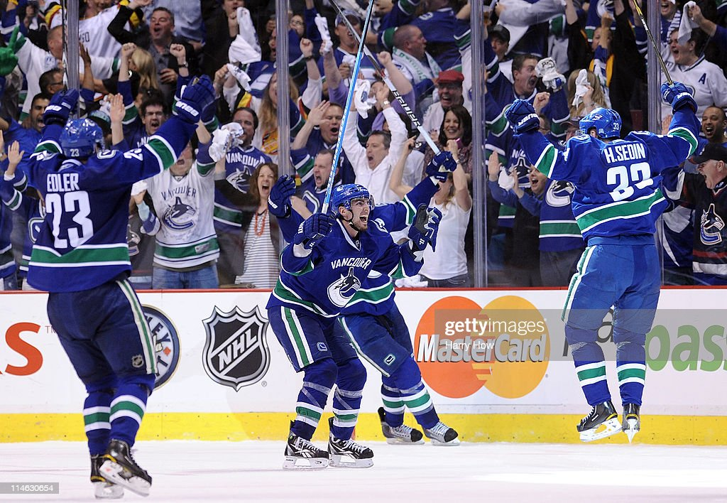 San Jose Sharks v Vancouver Canucks - Game Five : News Photo