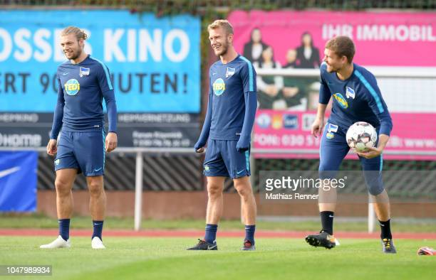 Alexander Esswein Fabian Lustenberger and Thomas Kraft of Hertha BSC during the KiezkickerTraining at the Sportplatz Am Rosenhag on october 9 2018 in...