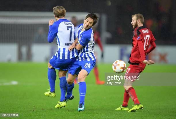 Alexander Esswein Genki Haraguchi of Hertha BSC and Curtis Edwards of Oestersunds FK during the UEFA Europa League Group J match between Hertha BSC...