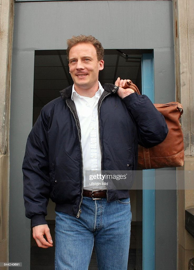 Alexander Falk - Unternehmer, D - nach seiner Haftentlassung aus dem Untersuchungsgefängnis Hamburg : News Photo