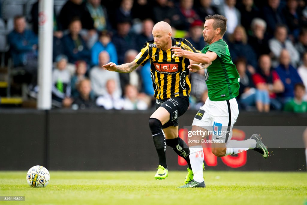 Alexander Farnerud of Jonkopings Sodra running with the ball during the allsvenskan match between Jonkopings Sodra and BK Hacken at Stadsparksvallen on July 17, 2017 in Jonkoping, Sweden.