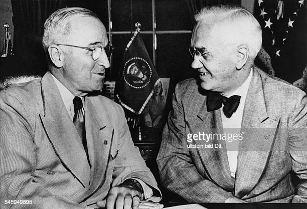 Alexander Fleming*06081881Scientist physician microbiologist Great BritianNobel Prize in medicine 1945Fleming with US President Harry S Truman in...