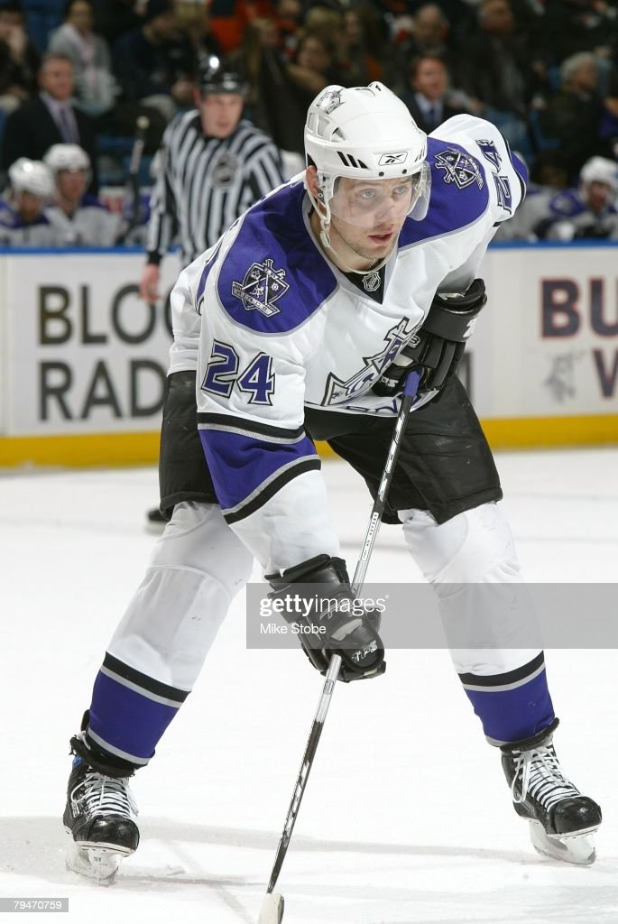 Alexander Frolov #24 of the Los Angeles Kings looks on against the New York Islanders on January 31, 2008 at Nassau Coliseum in Uniondale, New York