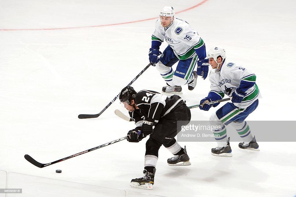 Vancouver Canucks v Los Angeles Kings - Game Three