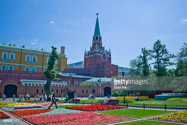 CONTENT] Alexander Garden stretches along the entire span of the Kremlin`s western wall Alexander Garden is one of the most surprising spots in Moscow