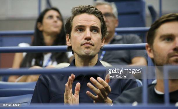Alexander Gilkes cheers for his girlfriend Maria Sharapova of Russia during day 6 of the 2018 tennis US Open on Arthur Ashe stadium at the USTA...