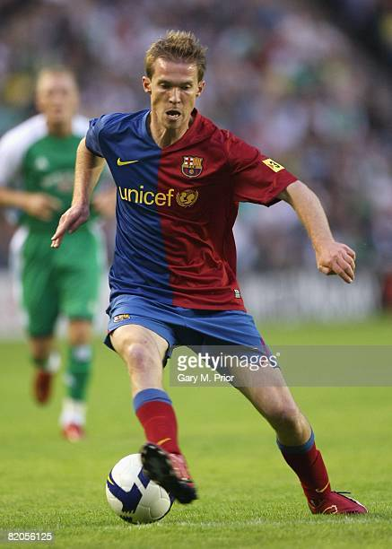 Alexander Hleb of Barcelona in action during the preseason friendly between Hibernian and Barcelona at Murrayfield on July 24 2008 in Edinburgh...