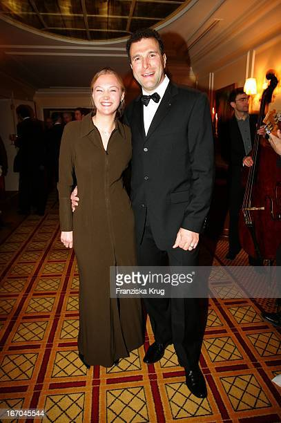 """Alexander Hold Und Ehefrau Michaela Bei Der Verleihung Des """"Felix Burda Award"""" Von Der Felix Burda Stiftung Im Hotel Vier Jahreszeiten In M Ünchen Am..."""