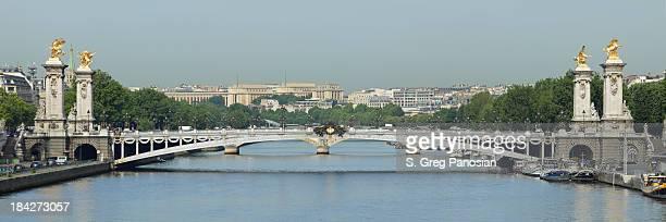 pont alexandre iii - pont alexandre iii photos et images de collection