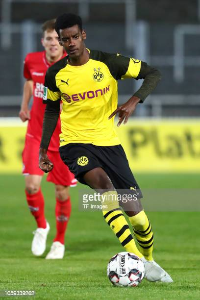 Alexander Isak of Borussia Dortmund II controls the ball during the Regionalliga West match between Borussia Dortmund II and 1 FC Koeln U23 on...