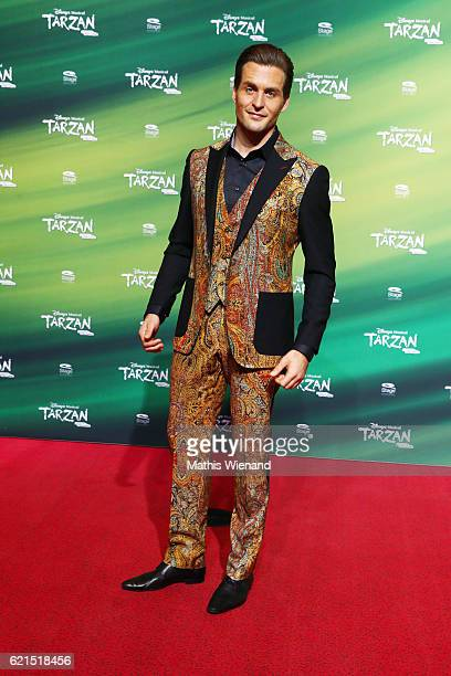 Alexander Klaws alias Tarzan attends 'Tarzan' Musical Premiere on November 6 2016 in Oberhausen Germany