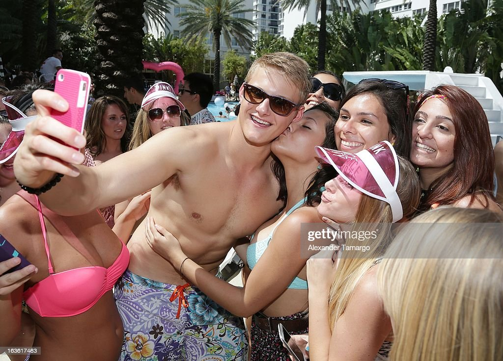 Alexander Ludwig Poses With Fans At The Victorias Secret PINK Ultimate Spring Break Dance Party