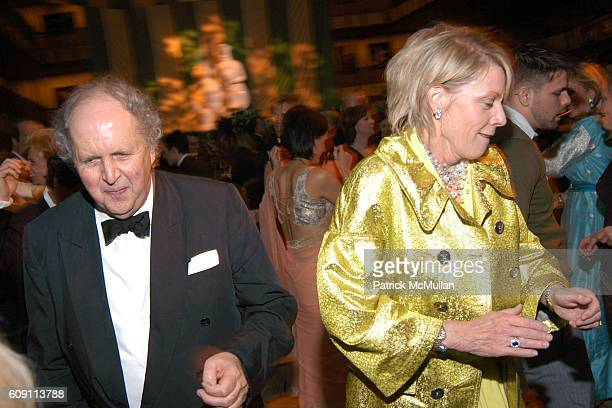 Alexander McCall Smith and Cathy Black attend 'AN EVENING OF READINGS' at LITERACY PARTNERS' Annual Gala Honoring Arnold Scaasi Liz Smith Parker Ladd...