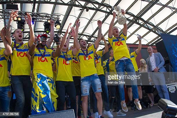 Alexander Milosevic Joseph Baffo Arber Zeneli Mikael Ishak and Oscar Hiljemark of Sweden U21 Team after they returned to Sweden victorious after...
