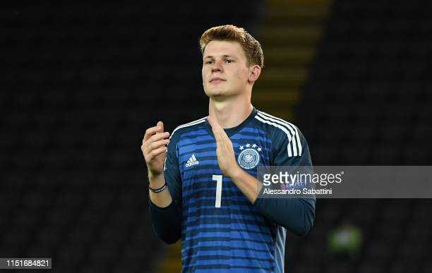 Alexander Nübel of Germany celebrates at the end the 2019 UEFA U-21 Group B match between Austria and Germany at Stadio Friuli on June 23, 2019 in...