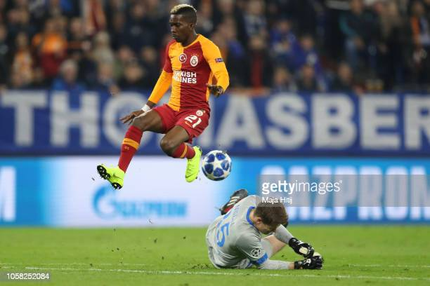 Alexander Nüebel of FC Schalke 04 saves a shot from Henry Onyekuru of Galatasaray during the Group D match of the UEFA Champions League between FC...