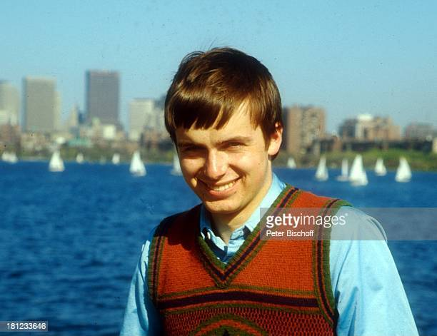 Alexander Nefedov Boston/Amerika/USA Skyline Wasser Segelschiffe Promis Prominenter Prominente