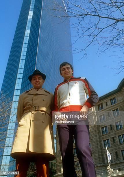 Alexander Nefedov Vater Nicholas Nefedov Boston 0102 1980 Hut Wolkenkratzer Hochhaus TrenchcoatPromi Promis Prominenter Prominente