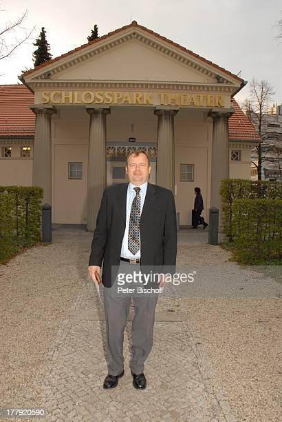 """Alexander Nefedov , vor Musik-Theaterstück """"Alexandra - Glück und Verhängnis eines Stars"""" , Schlosspark-Theater, Berlin, Deutschland, Europa,"""