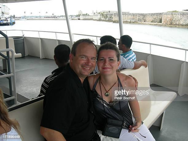 Alexander NefedovSkovitan Ehefrau Anna Roche Bermudas Urlaub Bootsfahrt E