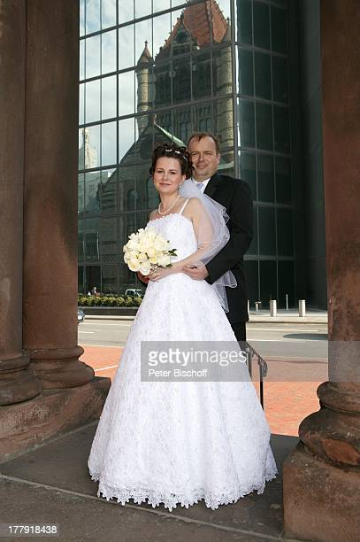 Alexander NefedovSkovitan Ehefrau Anna Roche Hochzeit Boston Massachusetts Nordamerika USA Amerika Wolkenkratzer Braut Bräutigam Hochzeitskleid E