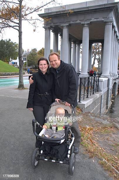 Alexander Nefedov-Skovitan , Ehefrau Anna Roche, Sohn George , Denkmal, Plymouth-Rock, Plymouth , Massachussetts, Nordamerika, USA, Amerika, Kind,...