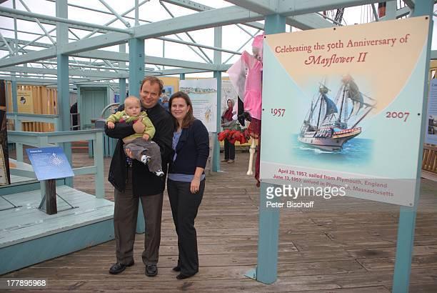 Alexander Nefedov-Skovitan , Ehefrau Anna Roche, Sohn George , Hafen, Plymouth , Massachussetts, Nordamerika, USA, Amerika, Informationstafeln zum...