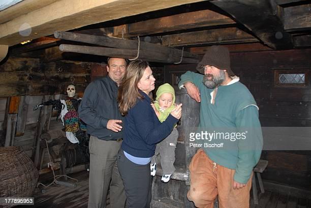 Alexander NefedovSkovitan Ehefrau Anna Roche Sohn George Matrose Hafen Plymouth Massachussetts Nordamerika USA Amerika Segelschiff Mayflower II...