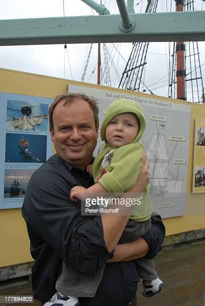 Alexander NefedovSkovitan Sohn George Hafen Plymouth Massachussetts Nordamerika USA Amerika Segelschiff Mayflower II Schiff Kind