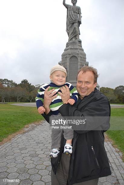 "Alexander Nefedov-Skovitan , Sohn George , ""National Monument to the Forefathers"" , Plymouth-Rock, Plymouth , Massachussetts, Nordamerika, USA,..."
