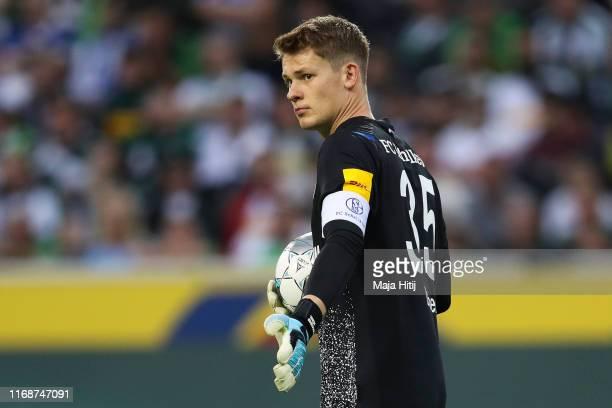 Alexander Nuebel of FC Schalke 04 reacts during the Bundesliga match between Borussia Moenchengladbach and FC Schalke 04 at Borussia-Park on August...