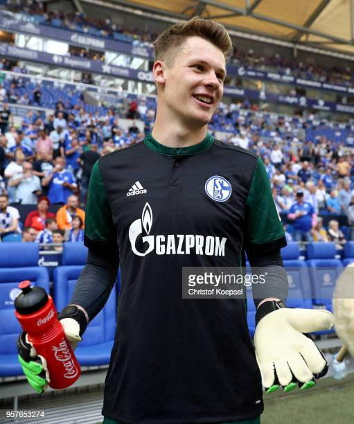 Alexander Nuebel of Schalke prepares for his substitution during the Bundesliga match between FC Schalke 04 and Eintracht Frankfurt at VeltinsArena...