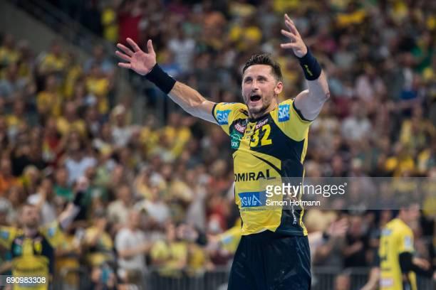 Alexander Petersson of RheinNeckar Loewen celebrates during the DKB HBL match between RheinNeckar Loewen and THW Kiel at SAP Arena on May 31 2017 in...