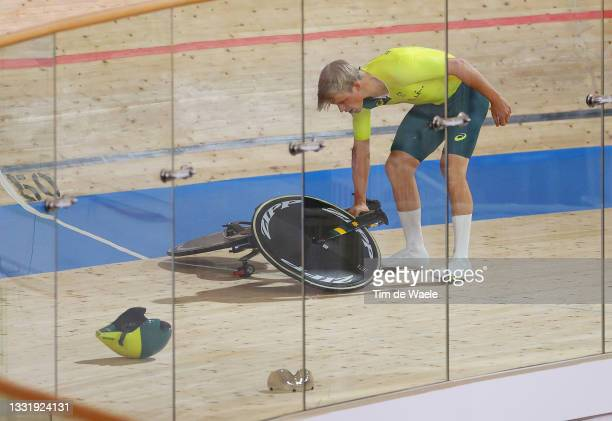 Alexander Porter of Team Australia after falls during the Men´s team pursuit qualifying of the Track Cycling on day 10 of the Tokyo Olympics 2021...
