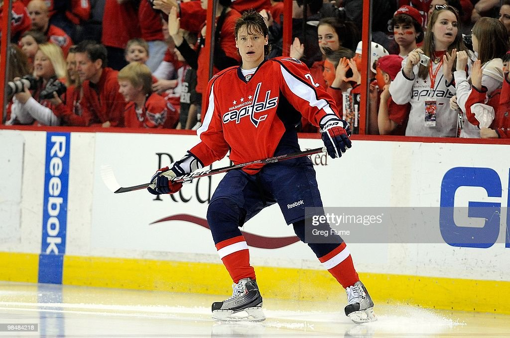 7c2c3369352 Alexander Semin of the Washington Capitals warms up before the game ...