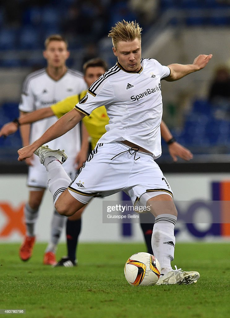 Alexander Soderlund of Rosenborg BK kicks the penalty during the UEFA Europa League group G match between SS Lazio and Rosenborg BK at Stadio Olimpico on October 22, 2015 in Rome, Italy.