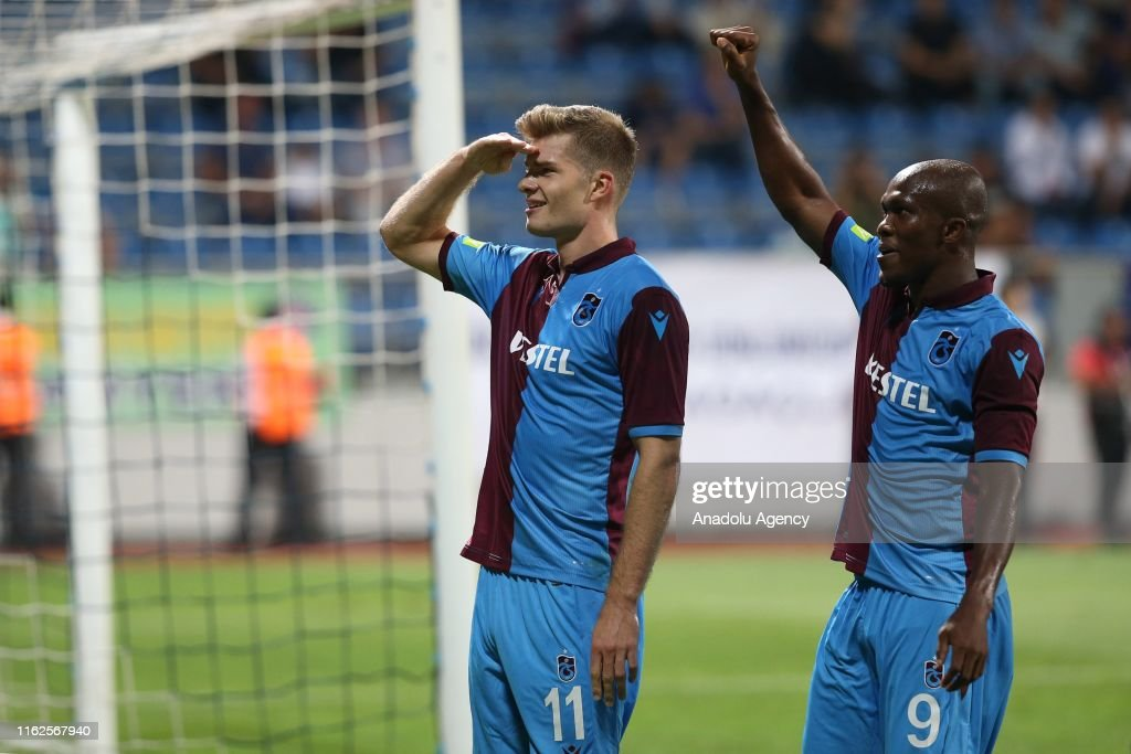 Kasimpasa v Trabzonspor: Turkish Super Lig : Foto di attualità