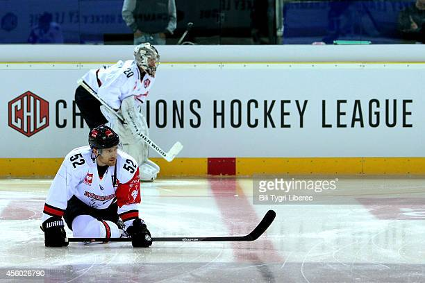 Alexander Sulzer of Koelner Haie stretches before the Champions Hockey League group stage game between Bili Tygri Liberec and Koelner Haie on...