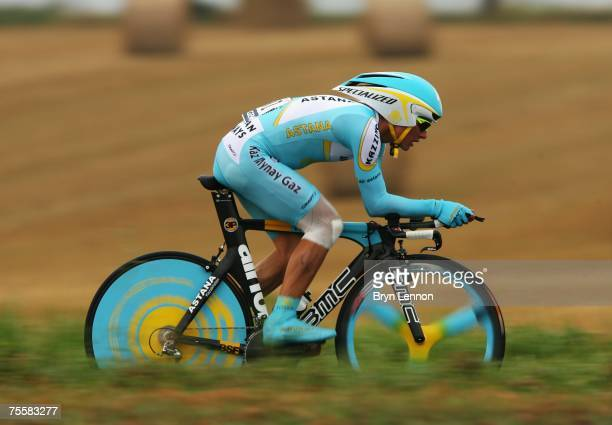 Alexander Vinokourov of Kazachstan and Astana on his way to winning the stage 13 of the 2007 Tour de France an individual time trial from Albi to...
