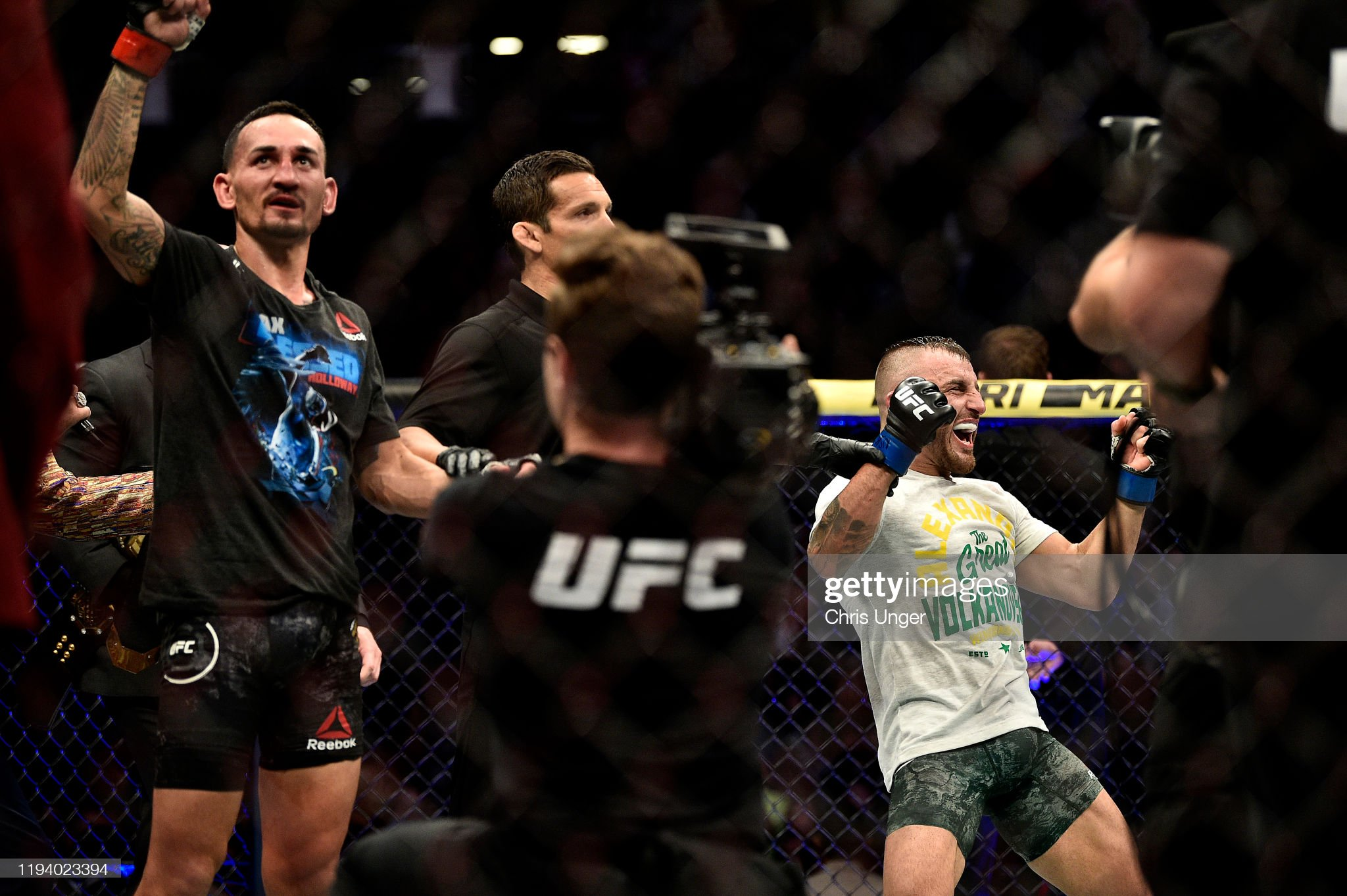 UFC 245: Holloway v Volkanovski : News Photo