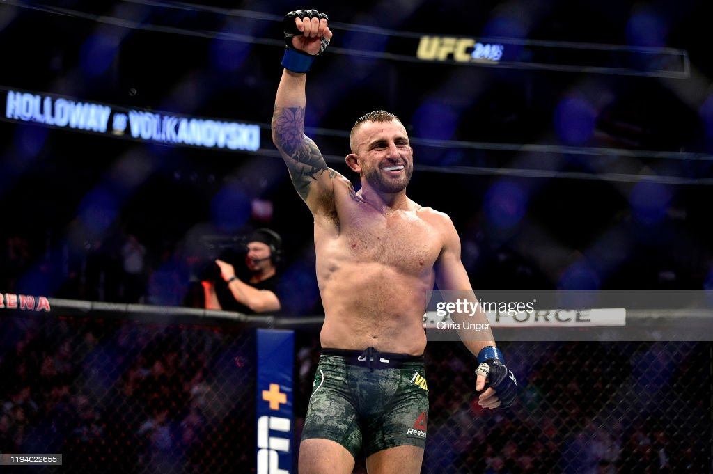 UFC 245: Holloway v Volkanovski : News Photo