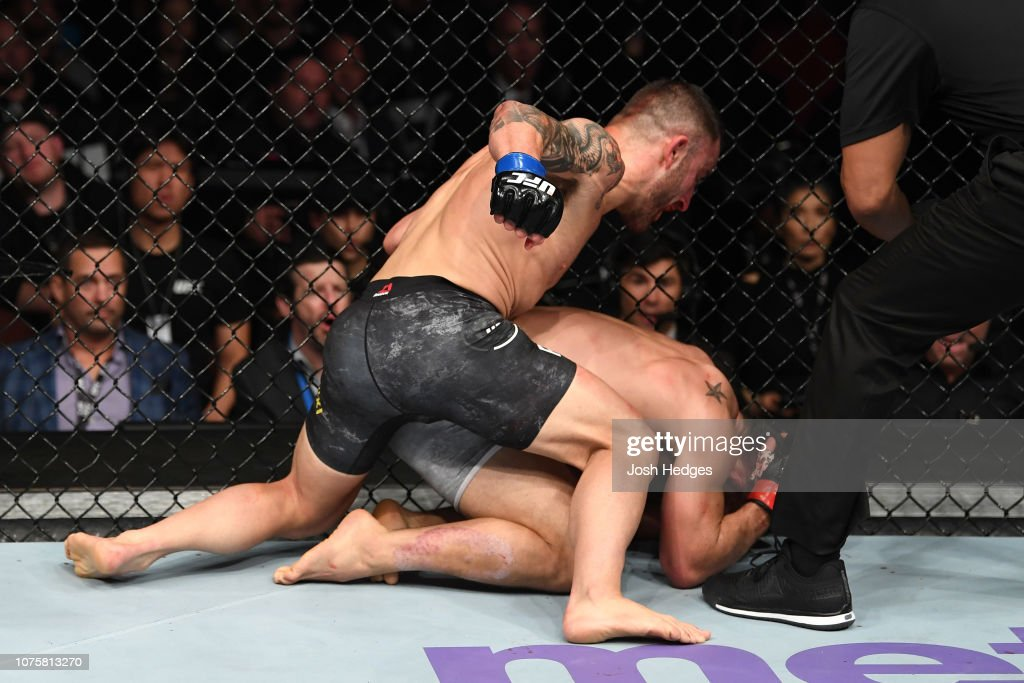 UFC 232: Mendes v Volkanovski : News Photo