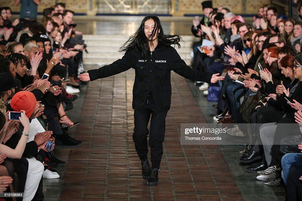 Alexander Wang - Runway - Fall 2016 New York Fashion Week : News Photo