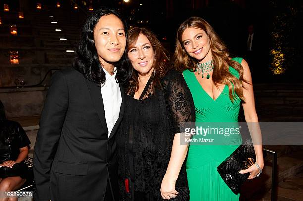 Alexander Wang Lorraine Schwartz and Sofia Vergara attend 2013 CFDA Fashion Awards at Alice Tully Hall on June 3 2013 in New York City