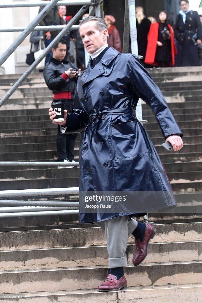 Celebrity Sightings : Paris Fashion Week Womenswear Fall/Winter 2018/2019 : Day Seven : News Photo