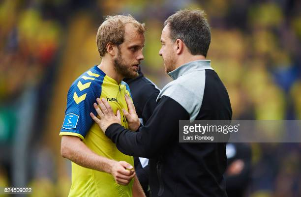 Alexander Zorniger head coach of Brondby IF speaks to Teemu Pukki of Brondby IF during the Danish Alka Superliga match between Brondby IF and Lyngby...