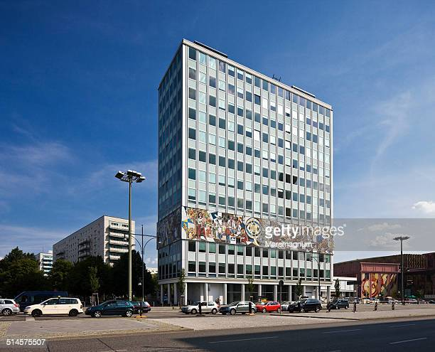 Alexanderplatz (square), House of the Teacher